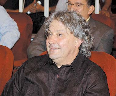 المهرجان في دورته الأولى يكرم المخرج ميشيل خليفي